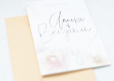 eufori_produkt_wedding_annika-benjamin_bodensee_papeterie_hochzeit_lettering_flatlay_love_5716